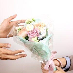 ホワイトデーのお返しは花が最強!もらって嬉しい花言葉