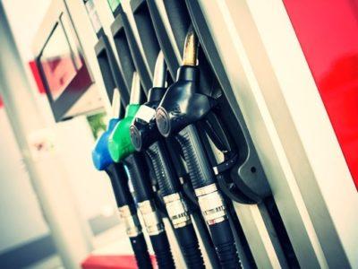 ハイオク車にレギュラー入れたら燃費はよくなる?